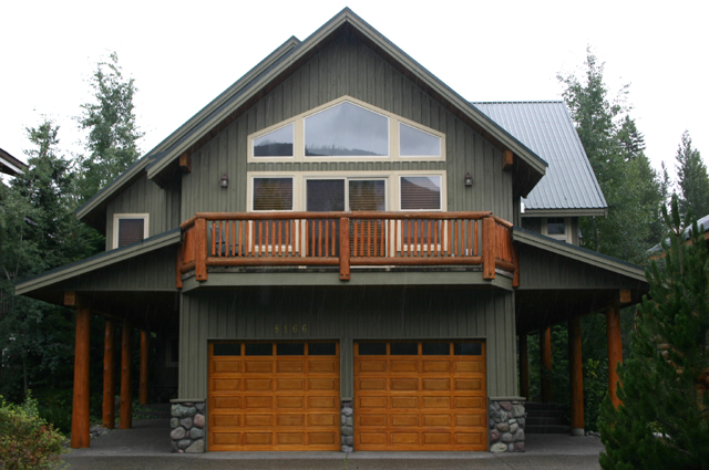 Whistler chalet nicklaus whistler vacation rentals for Chalet house